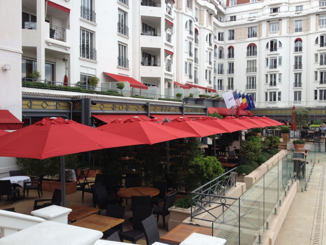 Parasol Cover Material – Choosing A Parasol Canopy Cover
