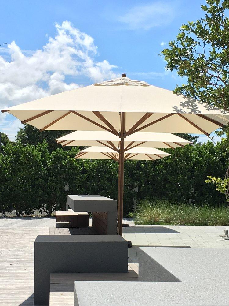 Bambrella Levante 3.4m Square Parasols - Miami, United States