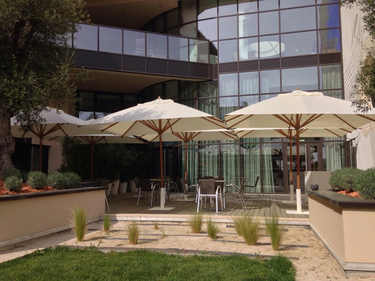 Bambrella Levante 3.4m Square Parasols - Marriott Hotel France