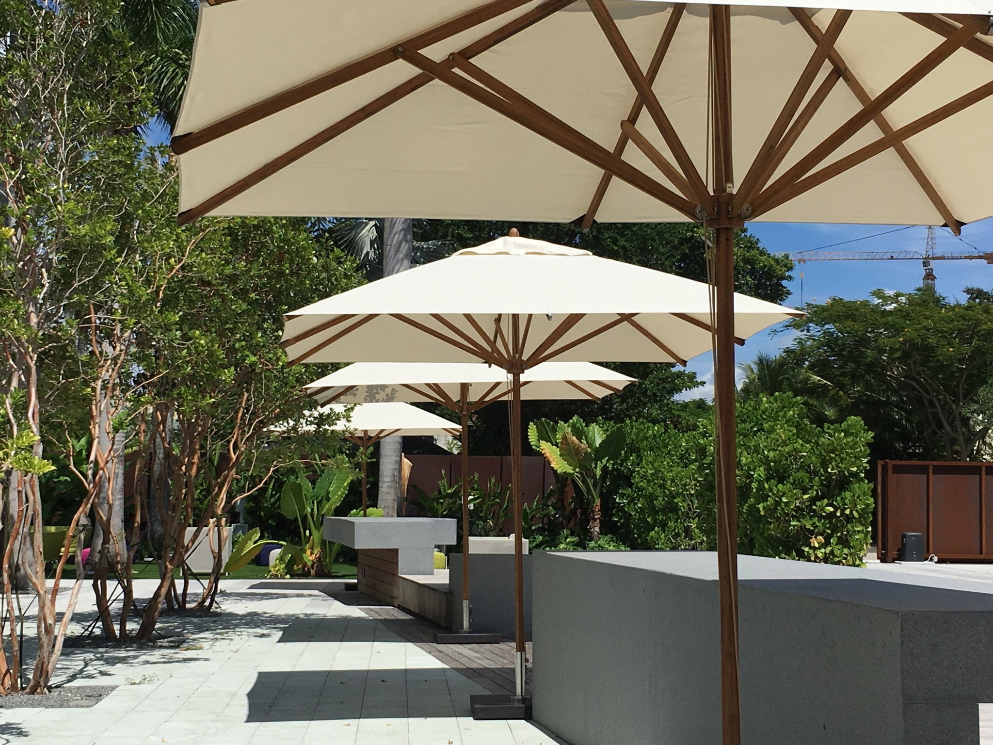 Bambrella Levante 2.6m Square parasol
