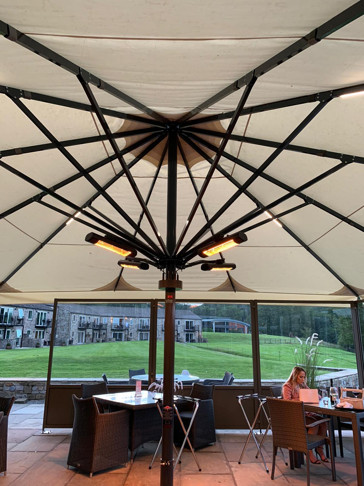 Savannah Giant 7m Parasol Plus Cafe