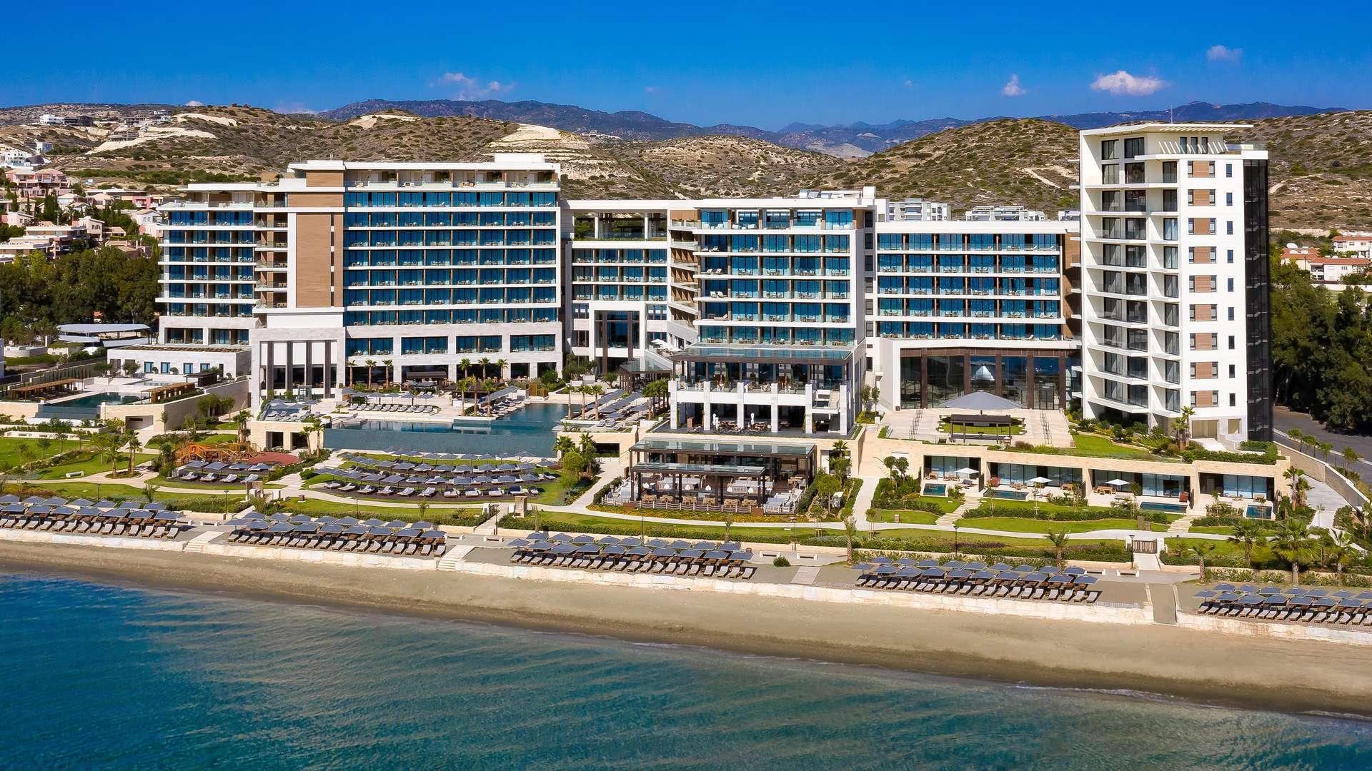 Bambrella Levante - The Amara Hotel