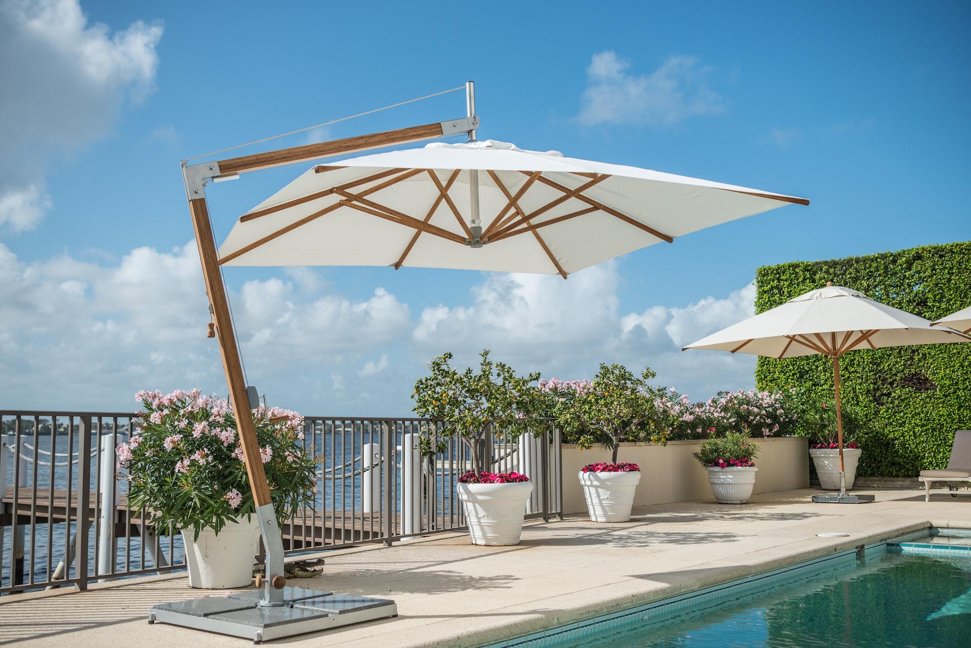 commercial cantilever parasol
